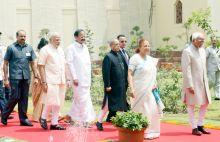 President Pranab Mukherjee, Vice President Mohd. Hamid Ansari, Lok Sabha Speaker Sumitra Mahajan, Prime Minister Narendra Modi, and Union Urban Development Minister M Venkaiah Naidu