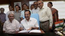 Railway Budget 2014-15, D.V. Sadananda Gowda, Manoj Sinha