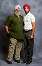 Bishan Singh Bedi with Sardara Singh at the India Today Mind Rocks Youth Summit 2014 in Chandigarh.