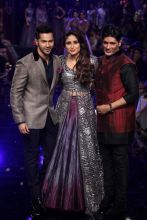 Varun Dhawan, Kareena Kapoor and Manish Malhotra