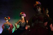 Models are pictured during a Quinceanera Magazine Catrina fashion show