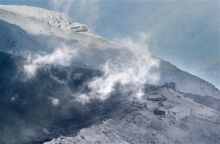 Mount Ontake engulfed by volcanic gases