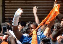 BJP supporters celebrate win in Mumbai, Maharashtra Assembly polls 2014