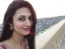 Divyanka Tripathi: The reigning queen of small screen parted ways with her Banoo Main Teri Dulhann co-actor, Ssharad Malhotraa this year after a relationship of around seven years. The actress is now rumoured to be dating her Ye Hai Mohabbatein co-actor V