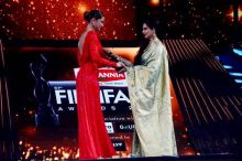Deepika Padukone (L) and Rekha