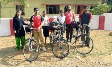Maoists abduct Pune students