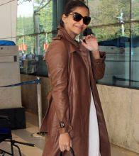Sonam Kapoor at Mumbai Airport