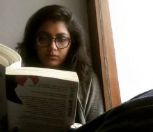 When not shooting for television soaps, Sriti takes refuge in the world of literature. Here she is reading a book by Japanese writer Haruki Murakami.