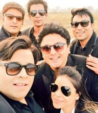 """Six black suits for Rs 2000/- .... Whatta deal !!!!!!"" Kiku Sharda tweets, and Kapil Sharma retweets."