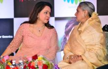 Hema Malini (L) and Jaya Bachchan