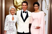 Matthew McConaughey with his wife Camila Alves McConaughey (R) and mother Mary Kathleen McCabe