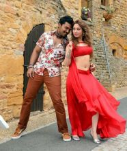 Tamannaah and Karthi in Thozha