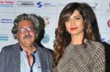 Capt. Sunil Nangia with Karishma Tanna.
