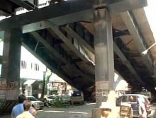 Kolkata flyover collapse