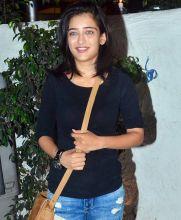 Akshara Haasan at Ki and Ka success bash