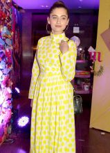 Power Couple star Sanjeeda Sheikh looked stunning in yellow at the preview of Maheka Mirpuri's summer collection.