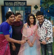 Kappu and Rinku bhabhi fighting to play badminton with Saina? Well, for the time being, she seems more interested in enjoying the comic acts on the show.