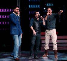 Akki, Mika and Abhishek having singing competition?