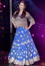 Stunning! Aishwarya Rai poses for the shutterbugs.