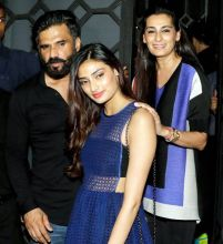 Suneil Shetty, Athiya Shetty and Mana Shetty at Baaghi success bash