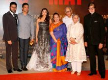 Aishwarya Rai Bachchan with her family at Sarbjit premiere