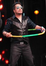 Will Mika Singh also hula hoop?