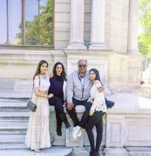Sridevi and Boney Kapoor with their daughters Khushi Kapoor and Jhanvi Kapoor