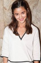 Alia Bhatt monsoon-ready looks for the season.