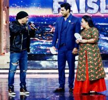 Sallu shares a light moment with hosts Bharti Singh and Sidharth Shukla.
