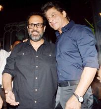 Shah Rukh Khan at Aanand L Rai's birthday bash