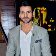Vivek Dahiya also star in Yeh Hai Mohabbatein as ACP Abhishek.