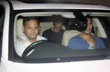 Shah Rukh Khan was clicked outside Hrithik Roshan's house.