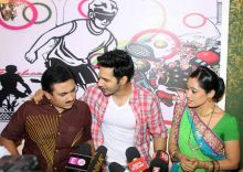 Dilip Joshi, Varun Dhawan, and Disha Vakani