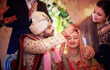 Sindoor! This moment will remain firmly etches in the memories of both the bride and the groom.