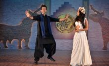 Hrithik not only led Pooja's walk during the introduction but also danced impromptu to the song Tu Hai for her.