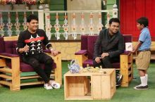 Kapil Sharma and AR Rahman with an audience member