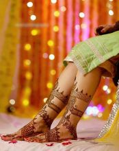 Another shot from Hunar's Mehendi ceremony.