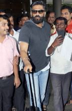 Sunil Shetty at Mumbai international airport.