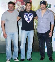 Sohail Khan, Salman Khan, Arbaaz Khan at the Freaky Ali trailer launch.