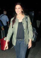 Sonali Bendre at Mumbai international airport