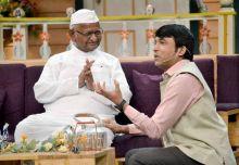 Anna seems to enjoying this particular segment with Chandan Prabhakar.