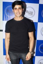 Gautam Rode looks dapper in this black T-shirt.