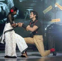 Shakti Arora and Suchitra Sawant's Ek Ladki Bheegi Bhaagi Si act was simply classic. The duo scored 26.