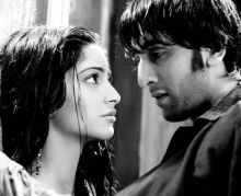 Ranbir Kapoor and Sonam Kapoor in a still from Saawariya