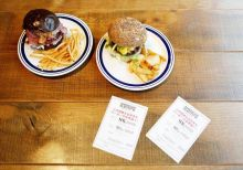 These Trump and Clinton burgers, or Mr. and Mrs. Burgers, are inspired by the hometowns on the two candidates--New York and Chicago.