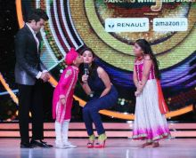 Alia seems to really fond of these tiny contestants.
