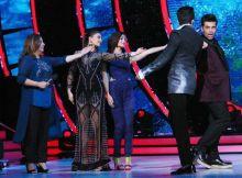 Jacky, Farah, Alia now urging Karan Johar and Manish Paul to perform.