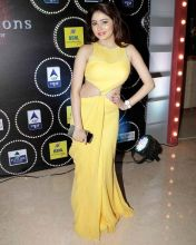 Kumkum Bhagya vamp Leena Jumani looks pretty in yellow.