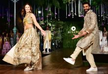The two seemed to be having a good time on the stage. Vaani shone in a gold metallic top and a sheer dupatta. The actress, who made her debut in the film Shuddh Desi Romance, as a second lead, is playing the lead role for the first time in the upcoming Ya
