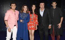 OK Jaanu cast pose with Indian Idol judges--Sonu Nigam, Farah Khan and Anu Malik.